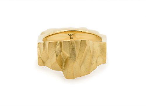 OBSIDIAN x GOLD ring front view